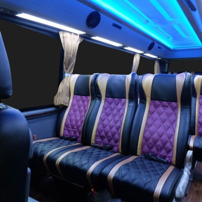 Adi-Putro-Group-Home-interior-minibis-400