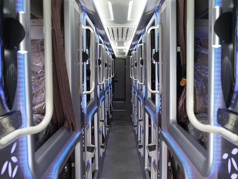 dream-coach-capsule-bus
